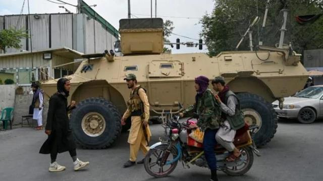 Taliban, milyarlarca dolar değerindeki Amerikan askeri teçhizatlarını ele geçirdi