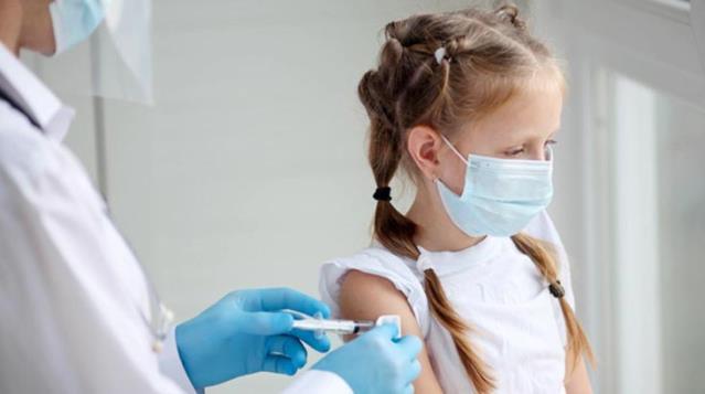 ABD'nin Los Angeles şehrinde, okullarda korona aşısı zorunlu hale getirildi